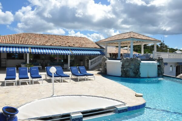 Villa Cascades located at Plum Bay, St Martin is a spacious 5 bedroom, 5 bathroom villa.