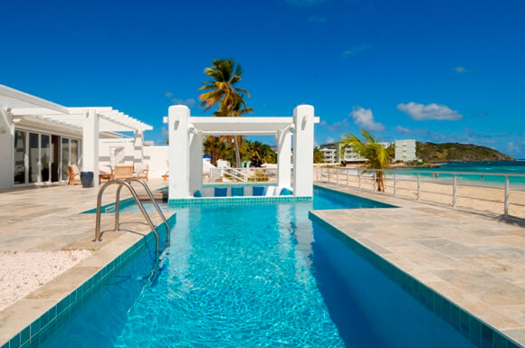 Beachfront Villa Starfish located in the Coral Beach Club on Dawn Beach in Dutch St. Maarten which provides breathtaking ocean views