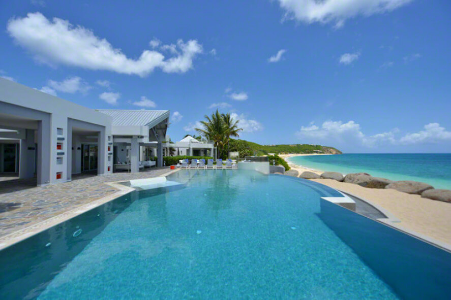 Beachfront villa Le Reve, a five bedroom non-smoking villa on a private beach area in Baie Rouge.Rouge Beach. Ex-Villa Le Belvedere, Casa Cervo has been turned into a gorgeous four large bedroom villa, located on Baie Rouge Beach