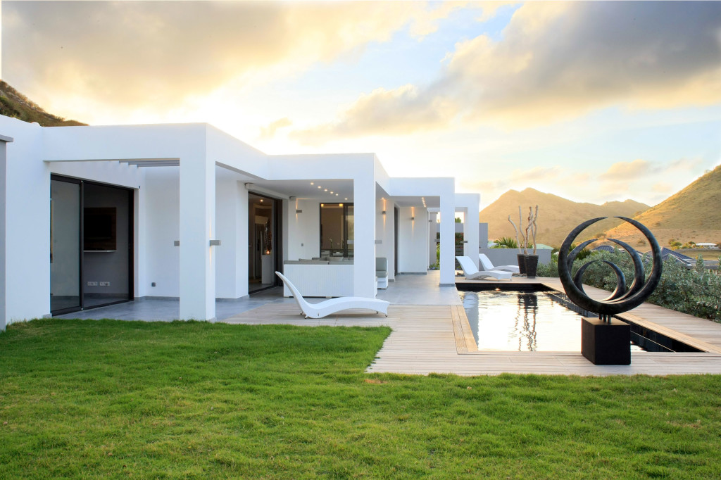 Villa Pearl located on St Martin is a contemporary style, comfortable 2 bedroom villa with views east to Orient Bay, the Atlantic and the sun rise