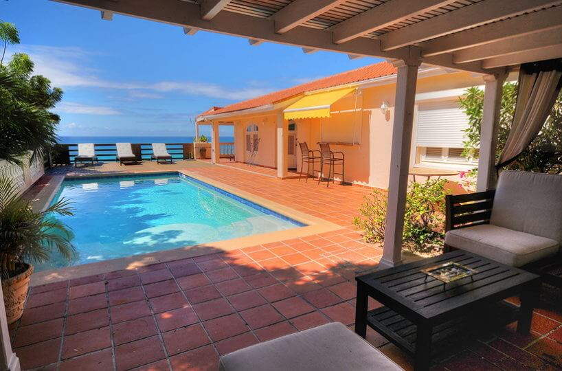 Villa Provence in Pelican Key with breathtaking sunsets on the Island of Dutch St Maartenwith beautiful views of Oyster Pond
