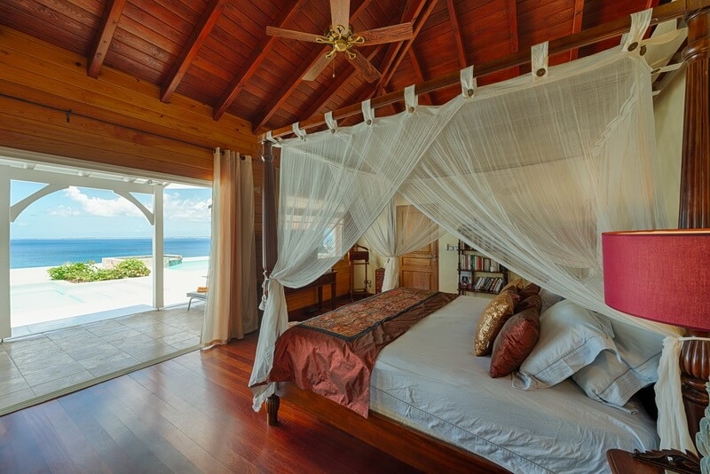 master bedroom Villa Dreamin Blue