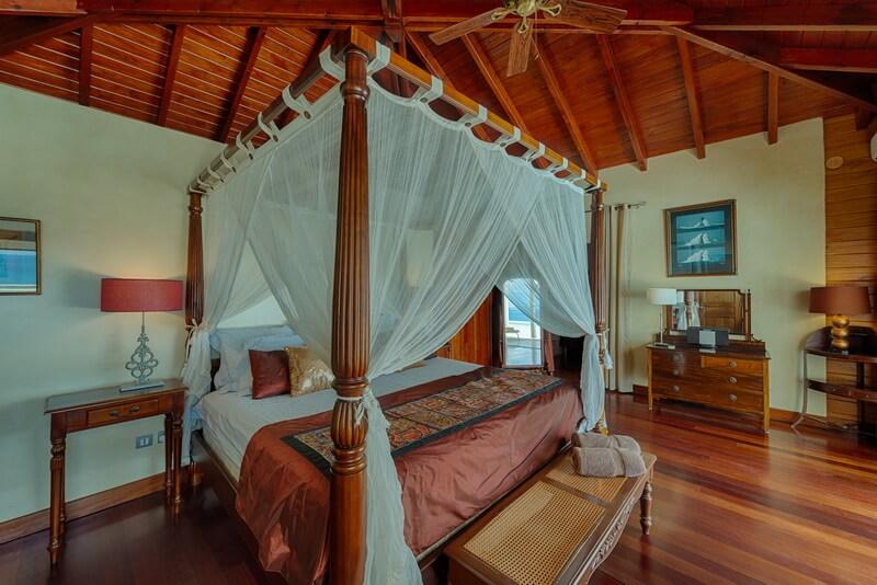 Beds at Villa Dreamin Blue