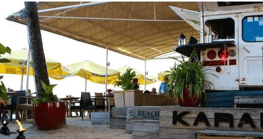 Simpson Bay Beach on the Dutch side of St. Maarten, Karakter Beach Bar
