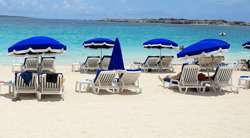 Kakoa  on the French side of St. Martin is the hot spot for activities with many options for eating, drinking, watersport rentals and shopping.